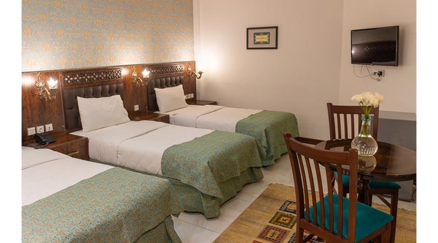 اتاق 2 هتل وکیل شیراز