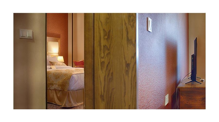 اتاق 2 هتل بین الحرمین شیراز