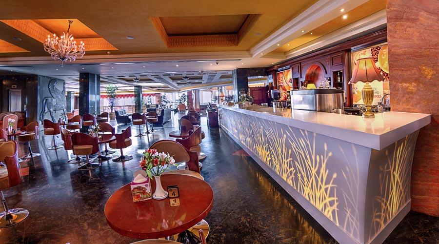 کافی شاپ 2 هتل بزرگ شیراز