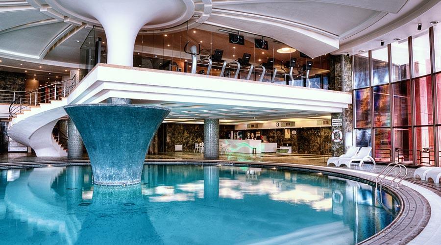 استخر آقایان هتل بزرگ شیراز