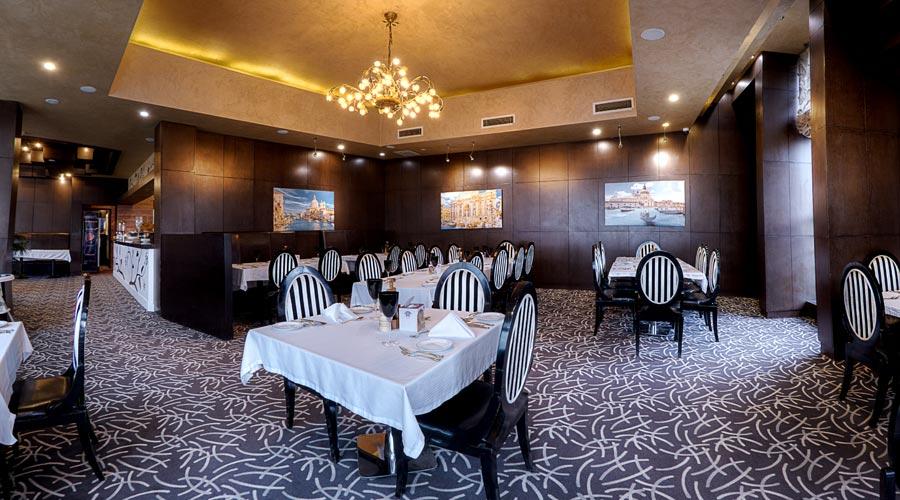 رستوران 2 هتل بزرگ شیراز