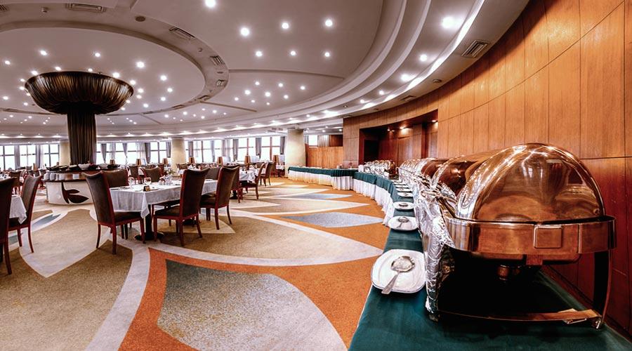رستوران 4 هتل بزرگ شیراز