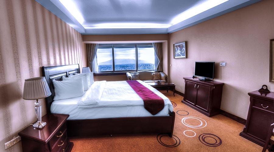 اتاق 5 هتل بزرگ شیراز