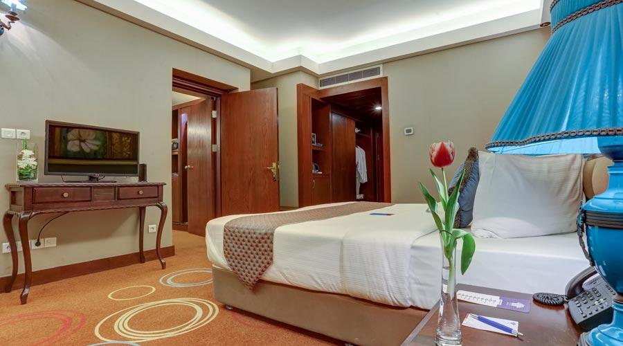 اتاق 8 هتل بزرگ شیراز