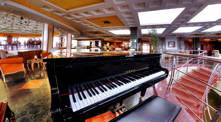 رستوران گردان 3 هتل بزرگ شیراز
