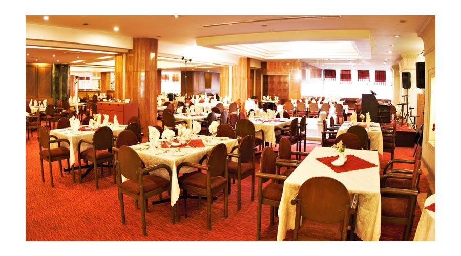 رستوران گل سرخ هتل پارس شیراز