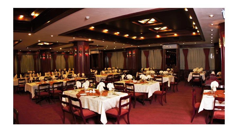 رستوران 2 هتل پارس شیراز