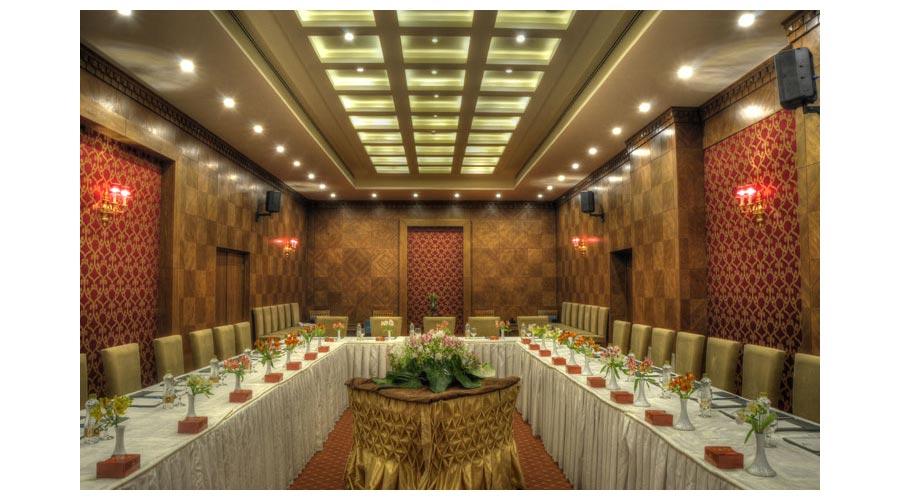 سالن کنفرانس 2 هتل زندیه شیراز