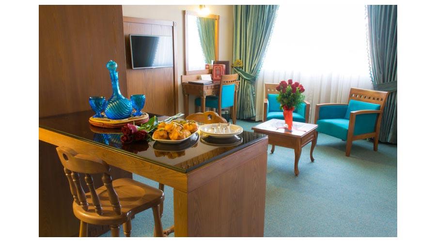 سوئیت ماه عسل 2 هتل زندیه شیراز