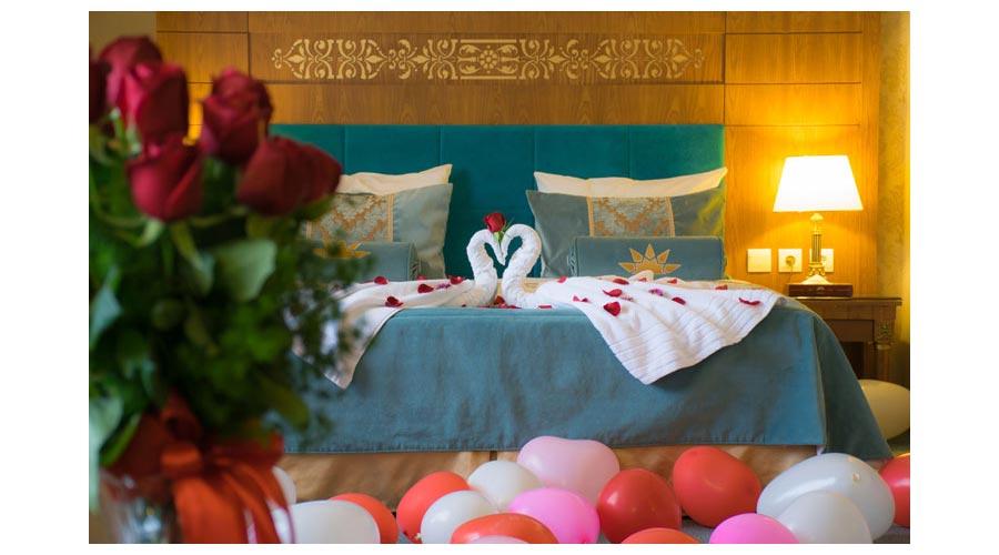 سوئیت ماه عسل هتل زندیه شیراز