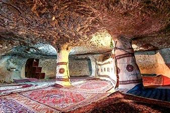 روستای صخره ای دستکند میمند کرمان