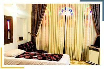 هتل لب خندق یزد