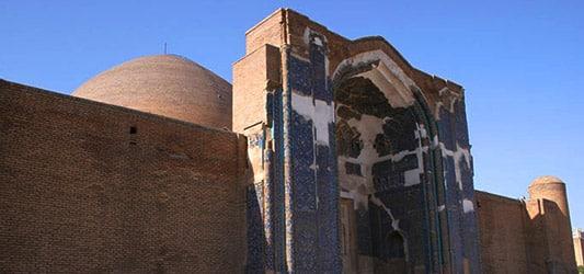 گلدسته های مسجد کبود