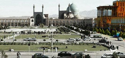 عالی قاپو اصفهان کجاست